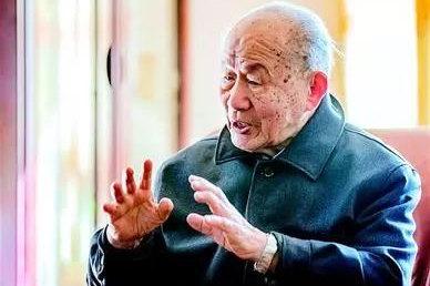 93岁院士再助学:已捐了600万元 1件衬衣却穿30年