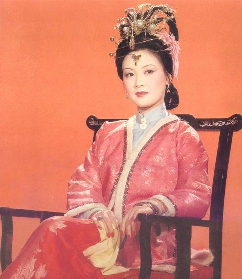 """她是最美""""王熙凤"""",嫁给张国立30年,为了家庭选择不生育"""
