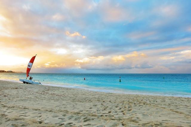 盘点世界上15个最受欢迎的海滩 假日好去处