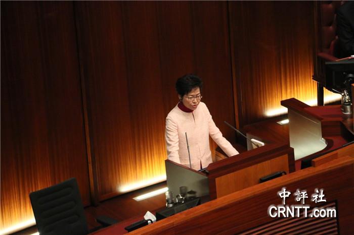 支持填海计划遭辱骂,特首林郑月娥为刘德华抱不平