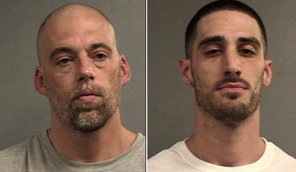 美国两囚犯藏身垃圾桶越狱 监控记录全过程