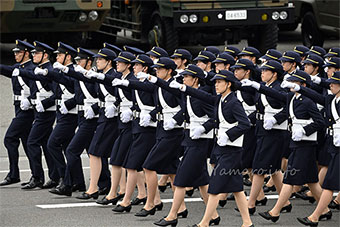 必须警惕!日本阅兵式彩排展示军力阵容相当大