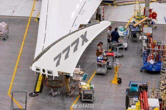 波音777X客机装备折叠翼尖 收放过程仅需20秒