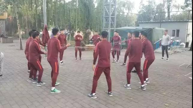 国足集训队测试包含心理测试 军训期间将不动球