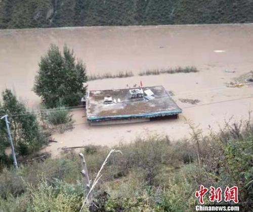 四川白玉:金沙江断流形成堰塞湖蓄水已近1亿立方米