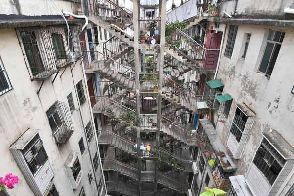 南宁现鸳鸯楼建筑 两栋楼共用一个楼梯通行