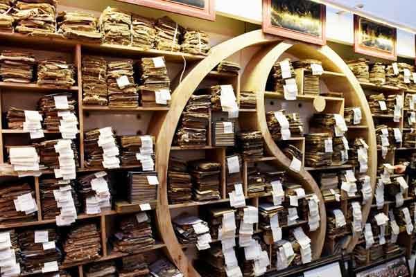 民间人士收藏十万古籍 含汉代木简及华佗《华氏中藏经》