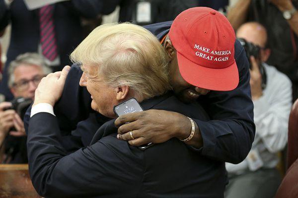 """白宫有嘻哈 美国说唱歌手获特朗普接见聊天似""""Freestyle"""""""