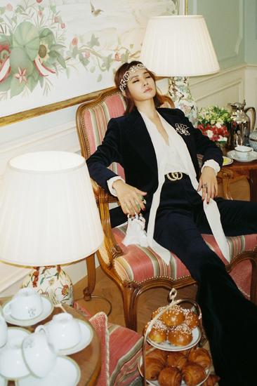 蔡依林巴黎胶片写真诠释优雅野性欧洲贵公子