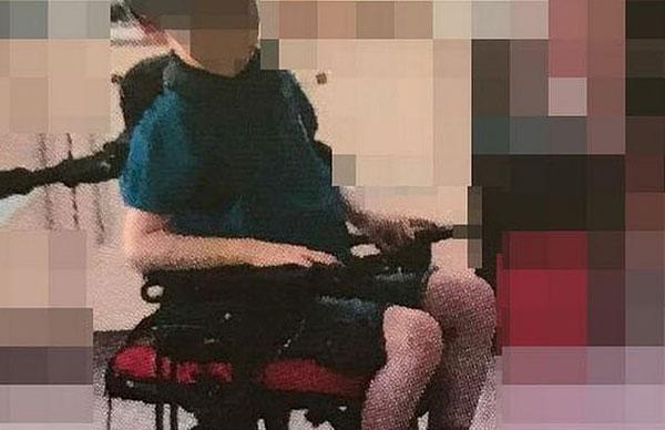 北爱尔兰一学校被指将自闭症儿童绑在椅子上