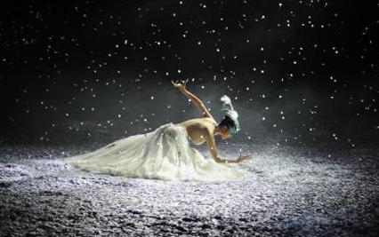杨丽萍新作《春之祭》昆明首演 拉开全球巡演序幕