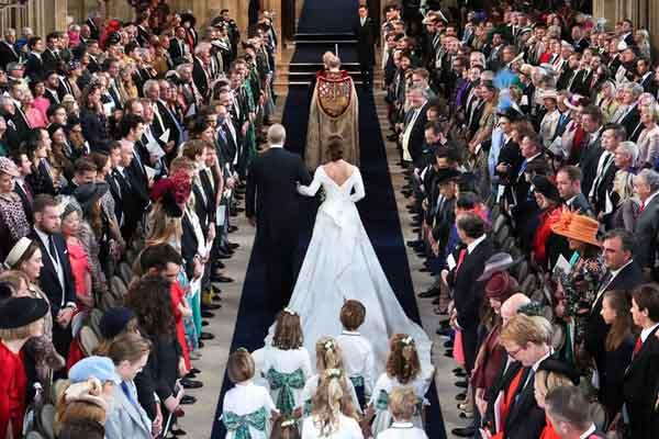 尤金妮公主大婚:各界名流齐聚 排场不输哈里王子