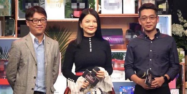 李湘现身自称是家庭主妇 拒答王岳伦酒店事件