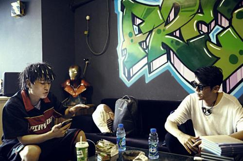李龙发布最新单曲《舞功》 为电影《功夫街舞梦