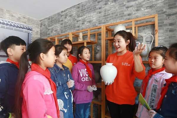 河北内丘:邢白瓷文化进校园