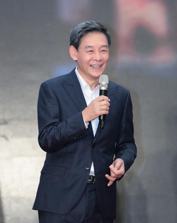"""李光复亮相《正阳门下小女人》发布会 演绎老北京""""片儿爷"""""""