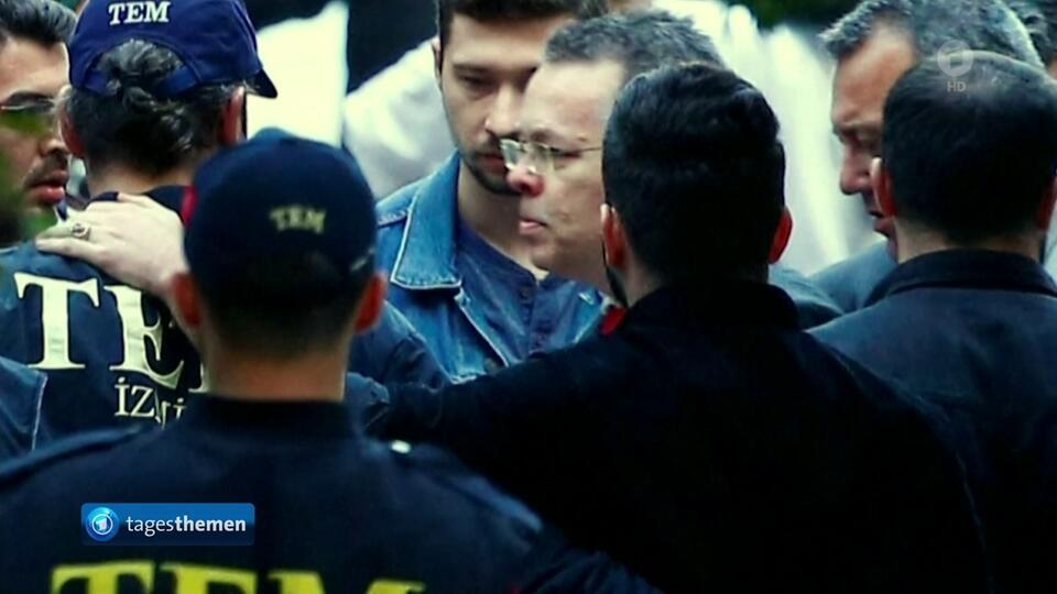 美籍牧师获释后立即返美 可能于13日受特朗普接见