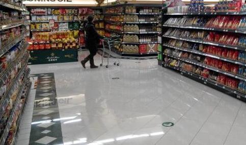 专盗超市鸡蛋腊肠等小物件 拱北中年女三次作案被刑拘