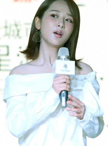 杨紫:粉妆玉琢,活泼清纯的小姐姐