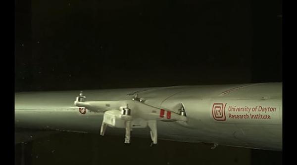 美国科学家证实小型无人机撞大型飞机影响很大