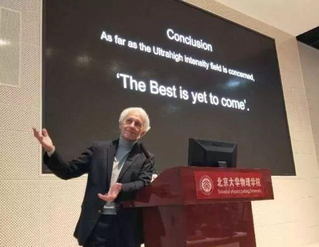 """特朗普听到没?这位诺贝尔奖得主说,科学交流不是""""偷窃""""!"""