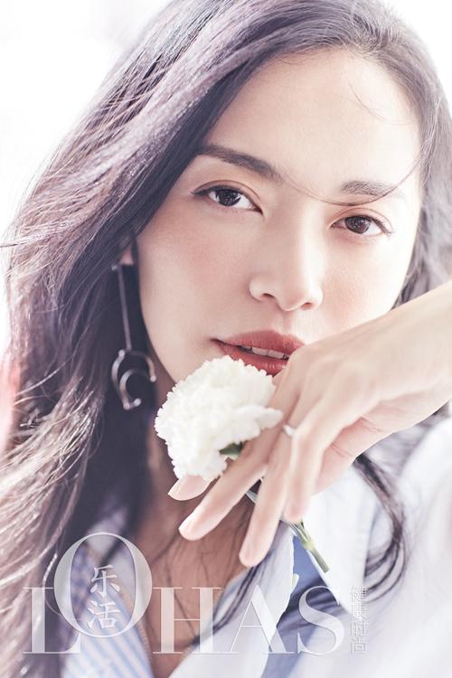 姚晨杂志写真 气质美人演绎纯净力量
