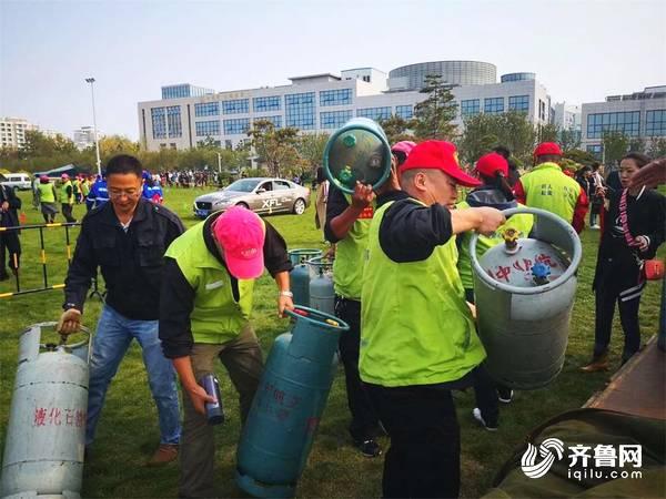 组图 | 志愿服务助力荣成国际热气球文化艺术节