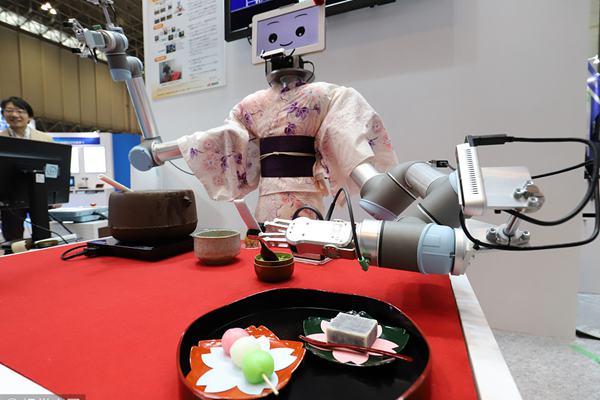 日本电子高新科技博览会将举行 机器人穿和服表演茶道