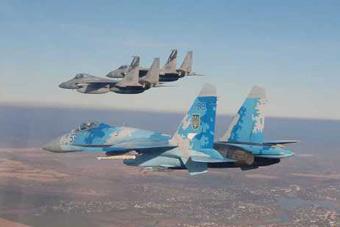 对手变朋友?美军F-15战机与苏-27联合训练