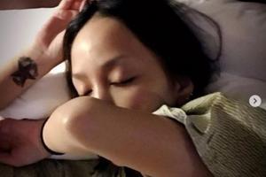 中岛美嘉晒睡颜自拍 拍摄过程惹粉丝大笑