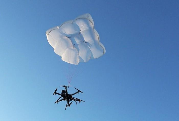 无人机救援降落伞将在法兰克福亮相