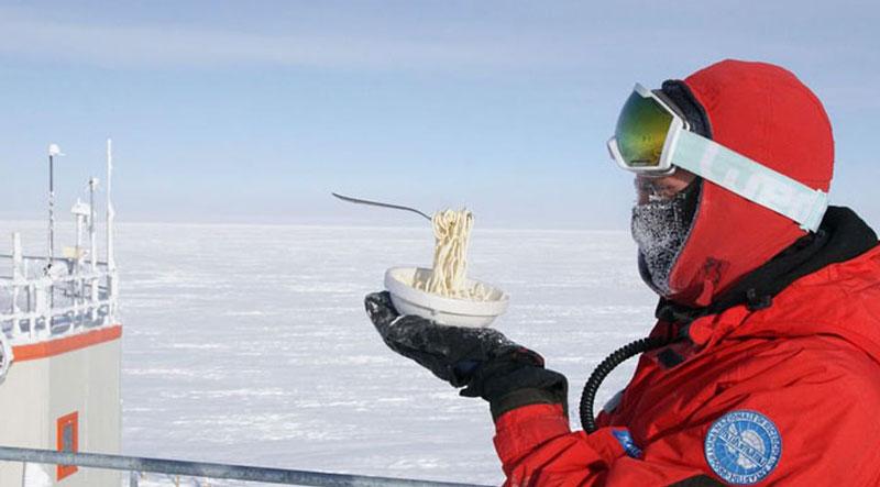 南极大陆极端低温 鸡蛋面条成