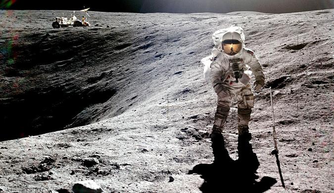 新书揭秘美国阿波罗11号宇航员罕见太空照
