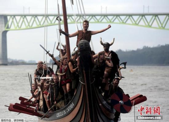 挪威发现千年前海盗船:20米长 埋在半米深地下