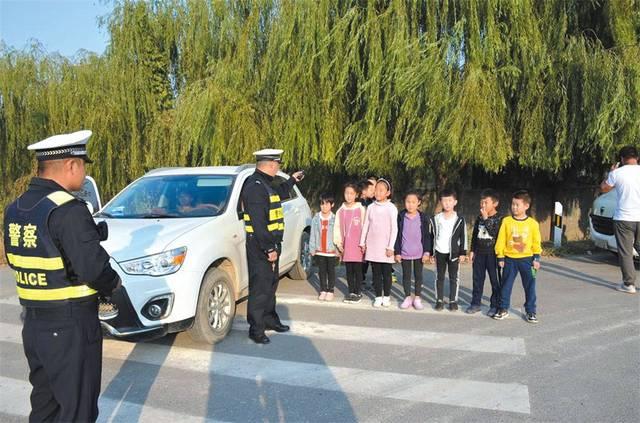 邯郸市漳河园区交警查获超员轿车