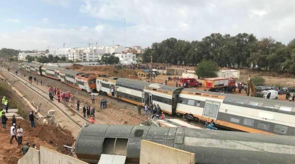摩洛哥火车脱轨造成6死86人伤 火车司机伤势严重