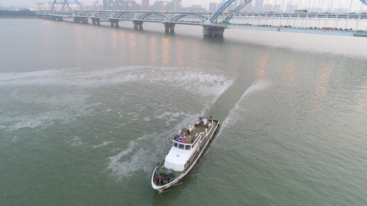 怪异!钱塘江现神秘漩涡 直径超百米:原因查明了