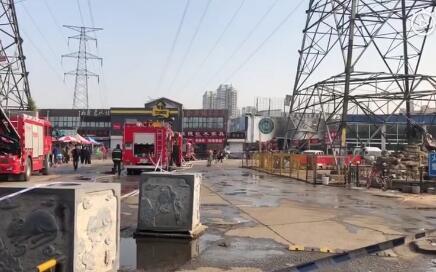 天津一花鸟鱼虫市场房屋起火 无人员伤亡