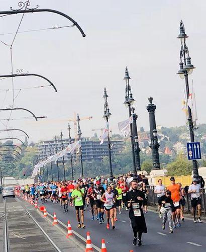 马拉松跑出来的生活气息