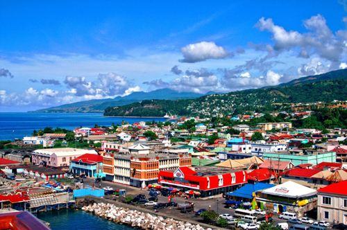 """多米尼克,加勒比海的""""自然岛"""""""