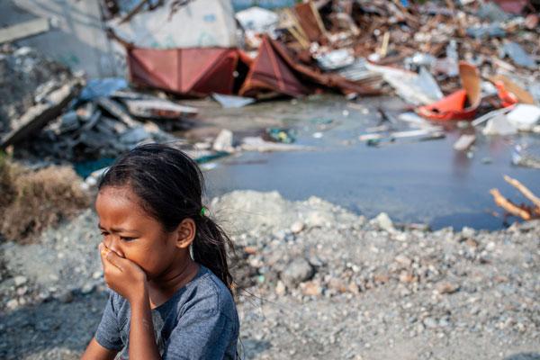 印度尼西亚帕鲁地震之后:家园尽失满目疮痍