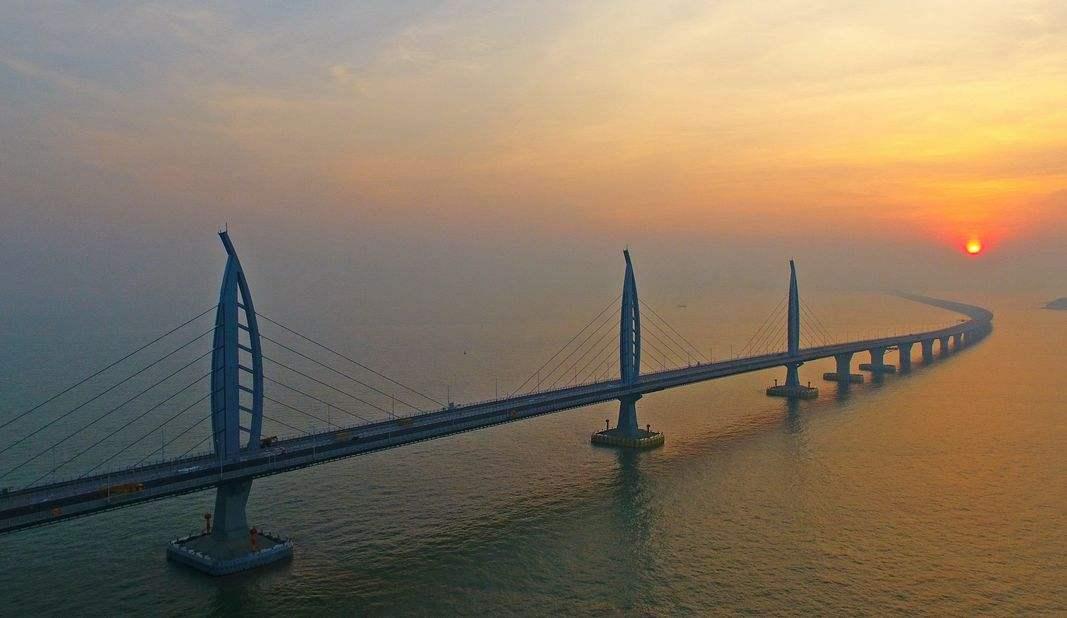 港珠澳大桥23日举办开通仪式