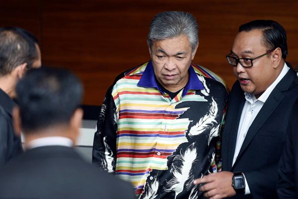 马来西亚前副总理扎希德涉腐被捕