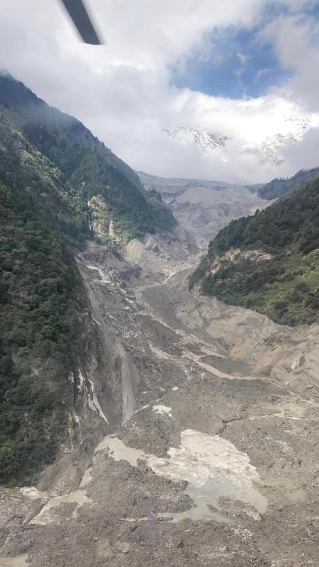 应急管理部牵头多部门应急联动处置雅鲁藏布江堰塞湖险情