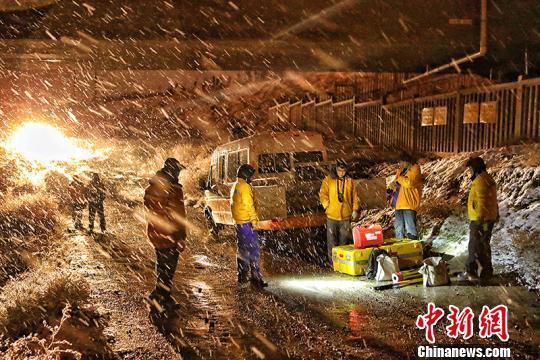 持续降雪对铁路带来影响 新疆铁路部门启动应急预案