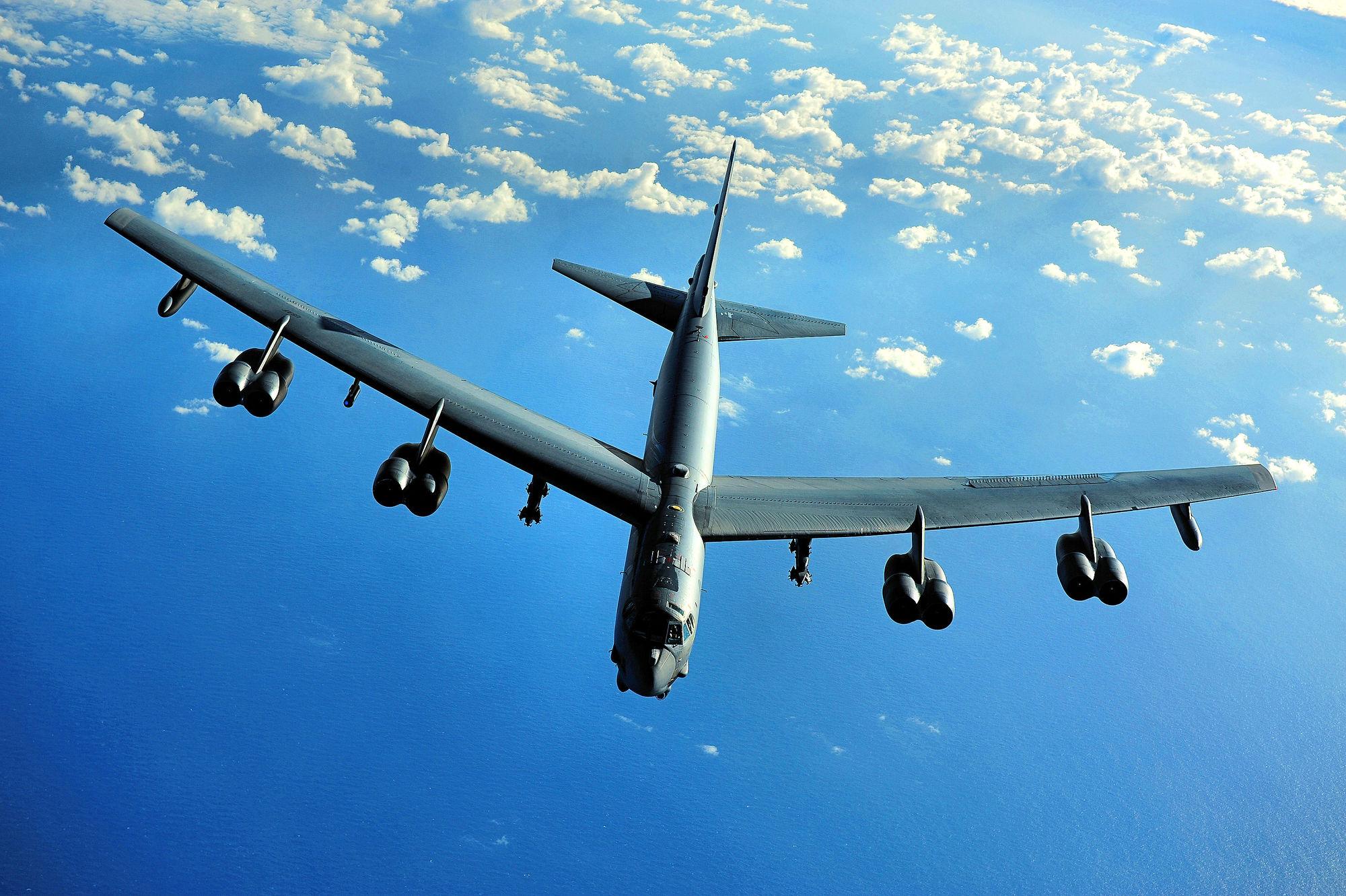 美军B-52轰炸机又到南海 被批口是心非言行不一