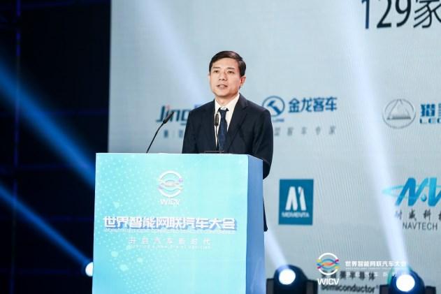 李彦宏:有了智能的车,更需要智能的路