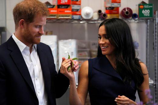 哈里王子与梅根王妃澳大利亚之旅尽显浪漫甜蜜