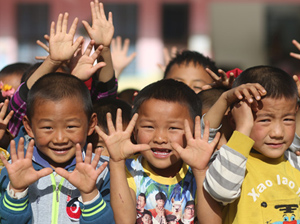 """貧困幼兒""""吃不好""""中國未來"""