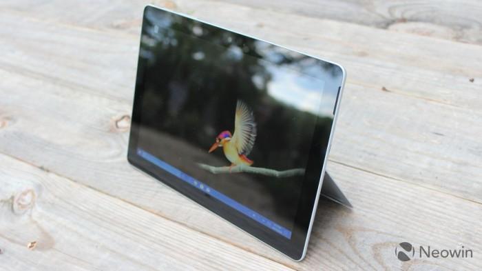 微软Surface Go开箱和上手简评